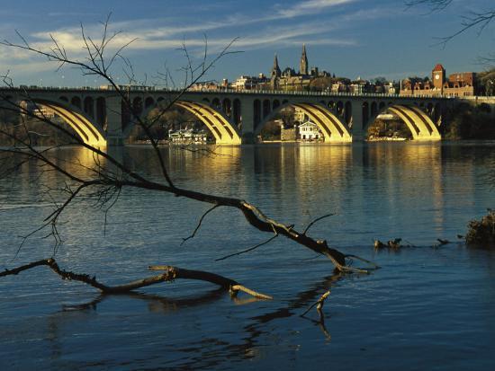 raymond-gehman-dusk-view-of-georgetown-university-beyond-key-bridge-over-the-potomac-river
