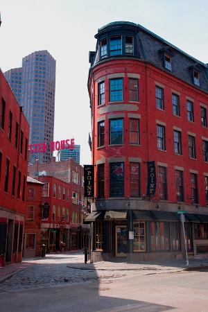 red-brick-buildings-in-north-end-italian-section-of-boston-ma