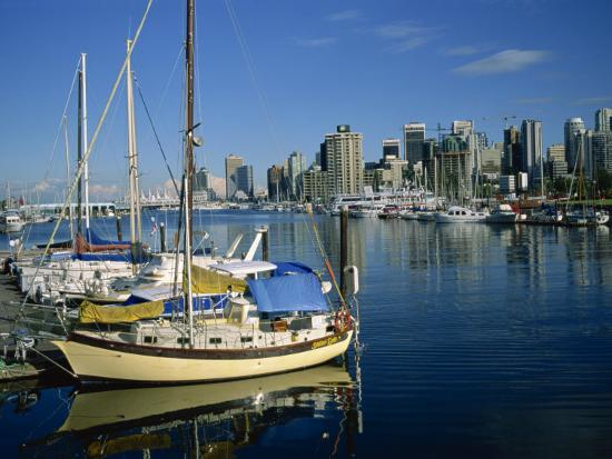 renner-geoff-boats-in-the-marina-at-stanley-park-with-skyline-of-vancouver-behind-british-columbia-canada