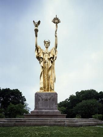 republic-monument-by-daniel-chester-french