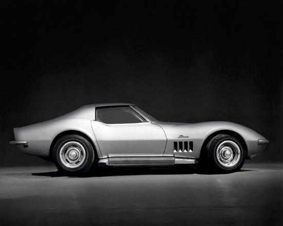 retro-classics-corvette-stingray