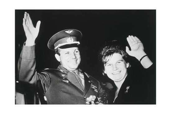 ria-novosti-astronauts-yuri-gagarin-valentina-tereshkova