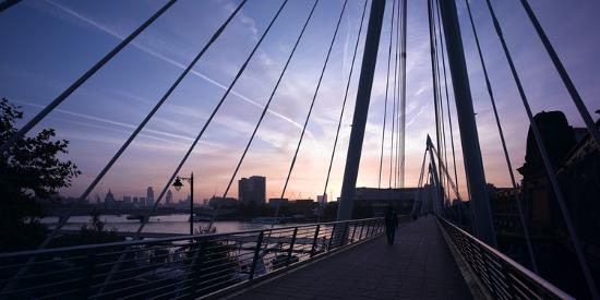 richard-bryant-hungerford-bridge-at-dawn-london