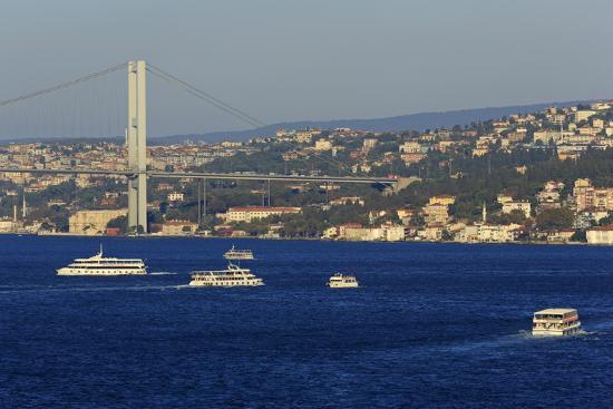 richard-cummins-faith-sultan-mehmet-bridge-istanbul-turkey-europe