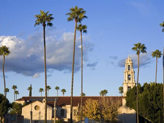 richard-cummins-first-congregational-church-in-downtown-riverside-california-usa