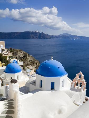 richard-cummins-greek-orthodox-church-in-oia-village-santorini-island-cyclades-greek-islands-greece-europe