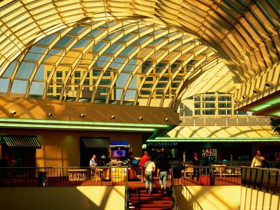 richard-cummins-interior-of-galleria-shopping-mall-dallas-texas