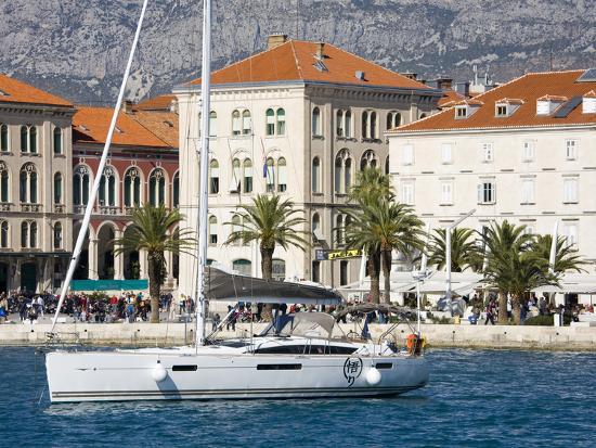 richard-cummins-yacht-in-split-harbour-dalmatian-coast-croatia-europe