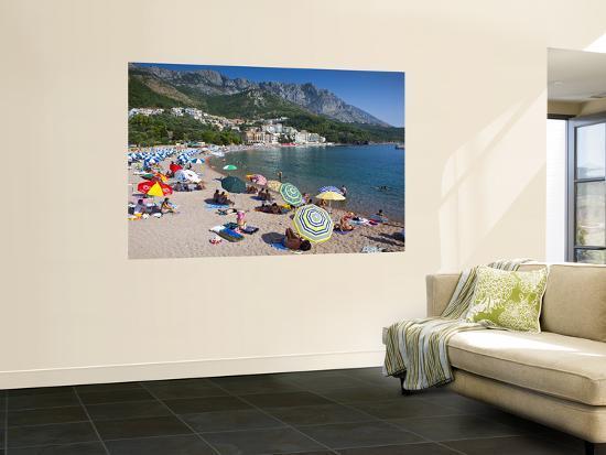 richard-l-anson-people-on-sveti-stefan-beach