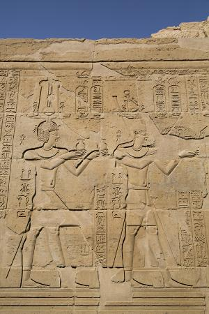 richard-maschmeyer-bas-reliefs-on-walls-temple-of-haroeris-and-sobek-kom-ombo-egypt-north-africa-africa