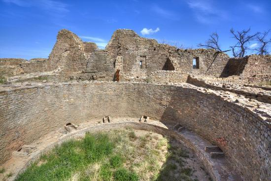 richard-maschmeyer-open-kiva-in-west-ruins-aztec-ruins-national-monument-dating-from-between-850-ad-and-1100-ad