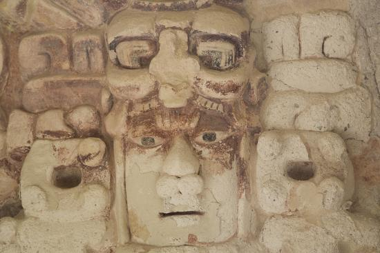 richard-maschmeyer-stone-mask-of-mayan-sun-god-kinichna