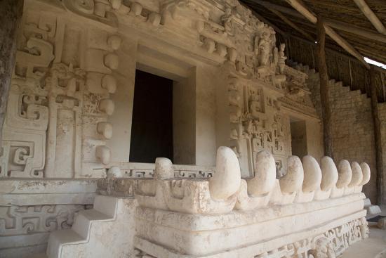 richard-maschmeyer-stucco-sculpture-monster-mouth-the-tomb-of-ukit-kan-lek-tok-mayan-ruler