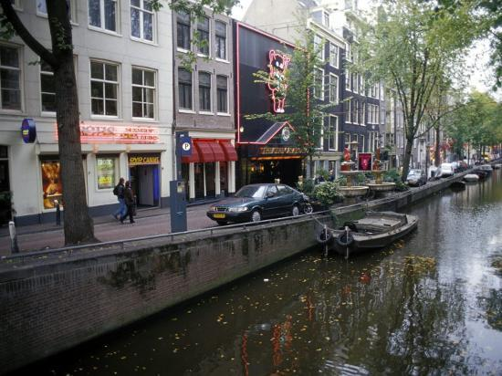 richard-nebesky-red-light-district-along-one-of-the-city-canals-amsterdam-the-netherlands-holland