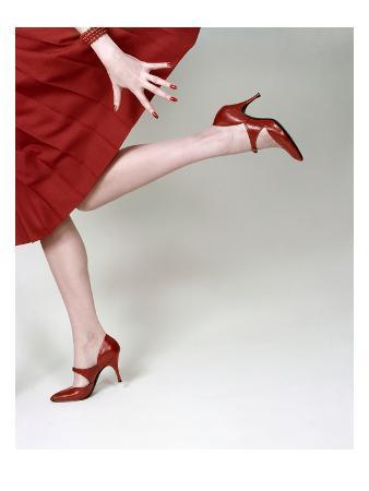 richard-rutledge-vogue-february-1958-fleming-joffe-red-heels