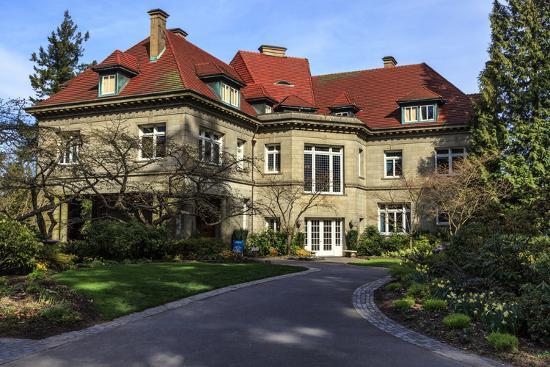 rick-a-brown-pittock-mansion-portland-oregon-usa