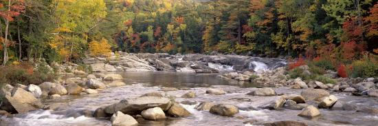 river-flowing-through-the-wilderness-white-mountains-national-forest-new-hampshire-usa