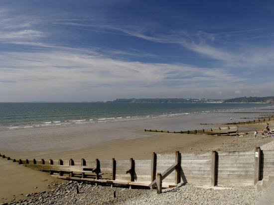 rob-cousins-wooden-groyne-on-the-beach-at-amroth-pembrokeshire-wales-united-kingdom