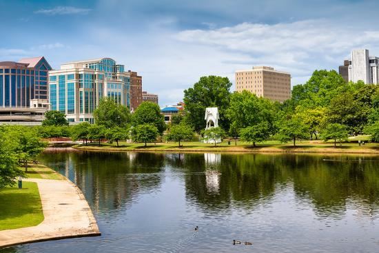 rob-hainer-cityscape-scene-of-downtown-huntsville-alabama-from-big-spring-park