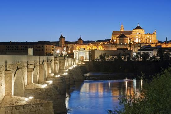 rob-tilley-roman-bridge-catedral-mosque-of-cordoba-cordoba-andalucia-spain
