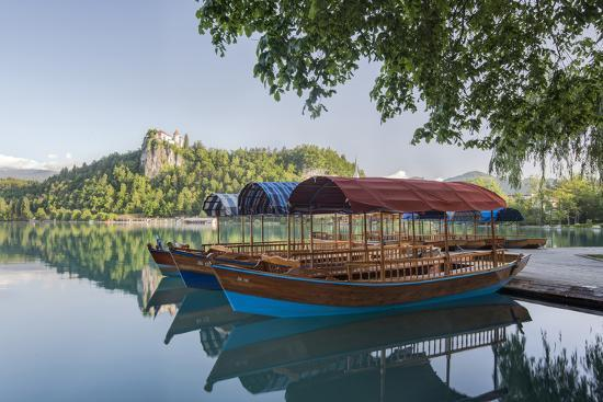 rob-tilley-slovenia-bled-lake-bled-plenta-boats