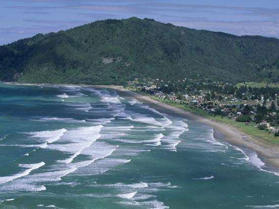 robert-francis-aerial-view-of-surf-beach-at-pauanui-on-east-coast-south-auckland-new-zealand