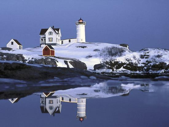 robert-ginn-nubble-at-christmas-time-in-new-england