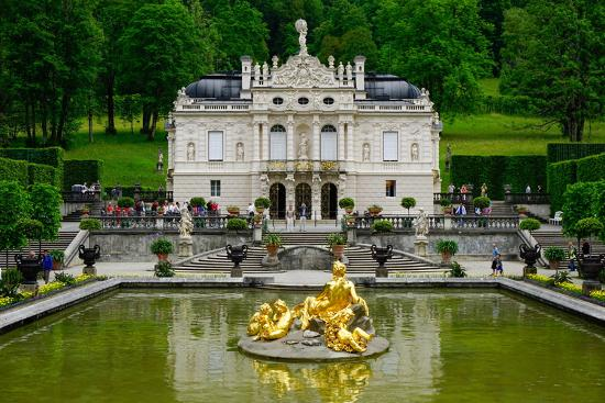 robert-harding-palace-of-linderhof-royal-villa-of-king-ludwig-the-second-bavaria-germany-europe