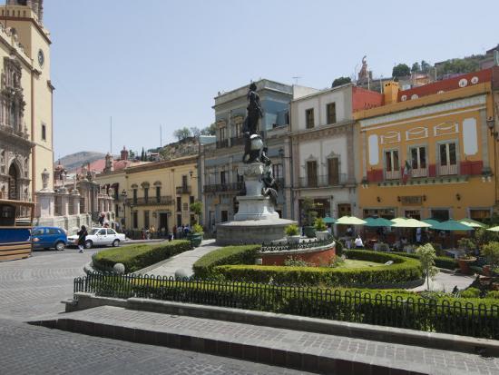 robert-harding-plaza-de-la-paz-in-guanajuato-a-unesco-world-heritage-site-guanajuato-guanajuato-state-mexico