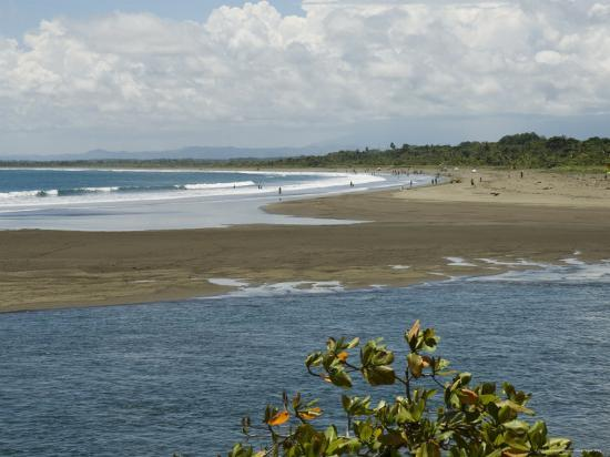 robert-harding-quepos-pacific-coast-costa-rica