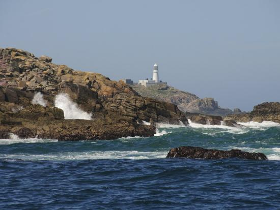 robert-harding-round-island-with-lighthouse-isles-of-scilly-cornwall-united-kingdom-europe