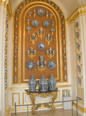 robert-harding-world-famous-porcelain-collection-in-the-zwinger-dresden-saxony-germany-europe