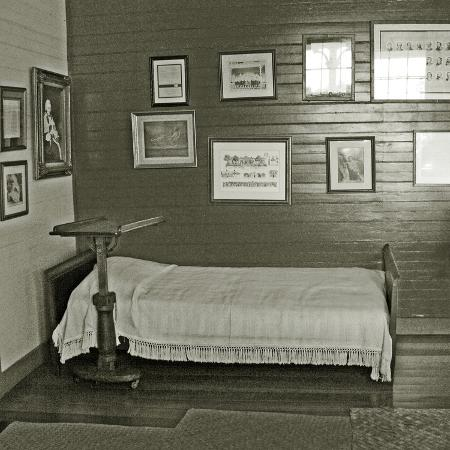 robert-louis-stevenson-s-sickbed-with-writing-stand-villa-vailima-apia-samoa