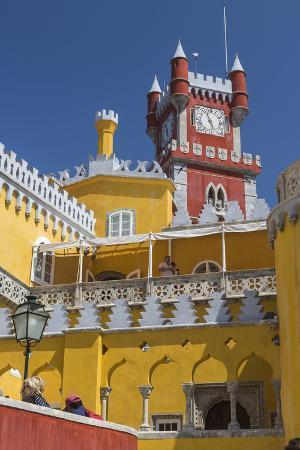 roberto-moiola-colors-and-decoration-of-the-romanticist-castle-palacio-da-pena-unesco-world-heritage-site