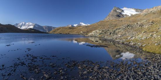 roberto-moiola-panorama-of-levanne-mountains-and-aiguille-rousse-at-sunrise