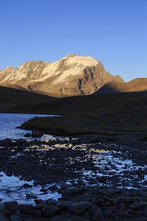 roberto-moiola-view-of-colle-del-nivolet-gran-paradiso-national-park-alpi-graie-graian-alps-italy