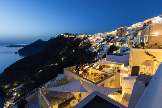 roberto-moiola-view-of-the-aegean-sea-from-the-typical-greek-village-of-firostefani-at-dusk-santorini-cyclades