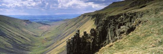 rock-formations-nichol-chair-hup-cup-nick-dufton-cumbria-england