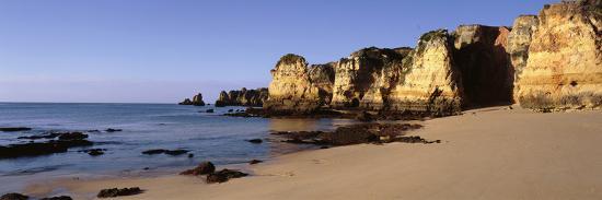 rock-formations-on-the-coast-algarve-lagos-portugal