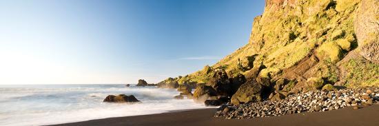 rocks-on-the-coast-vik-i-myrdal-iceland