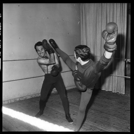 roldes-guy-marchand-during-a-boxing-session