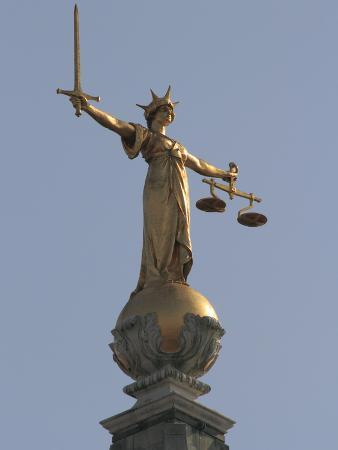 rolf-richardson-scales-of-justice-central-criminal-court-old-bailey-london-england-united-kingdom-europe