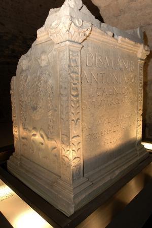roman-funerary-altar-criptoportico-forensics-forum-aosta-valle-d-aosta-italy