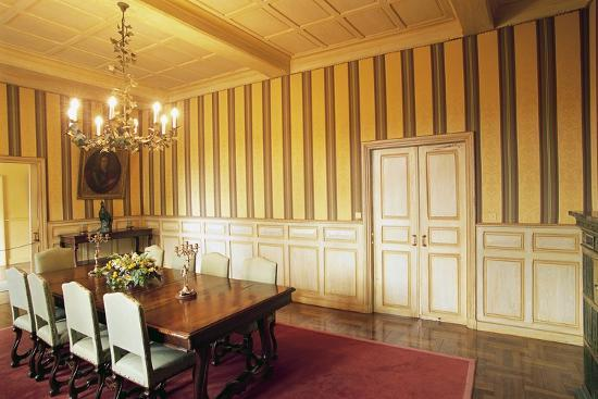 room-in-chateau-of-marqueyssac-vezac-aquitaine-france