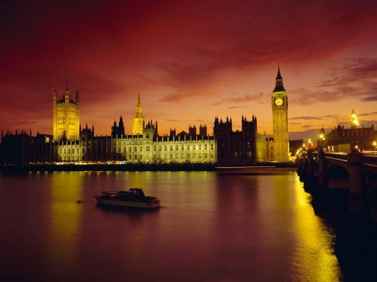 roy-rainford-the-river-thames-and-houses-of-parliament-at-night-london-england-uk