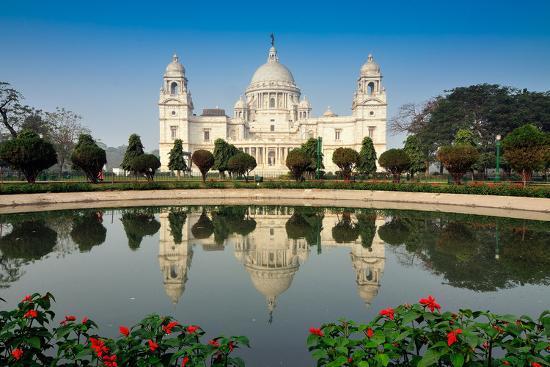 rudra-narayan-mitra-victoria-memorial-kolkata-india-reflection-on-water