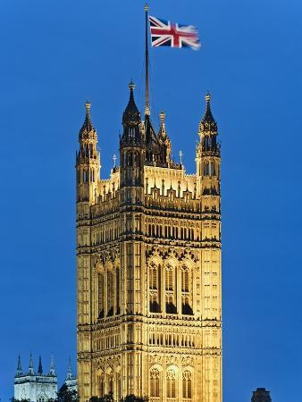 rudy-sulgan-victoria-tower-and-houses-of-parliament