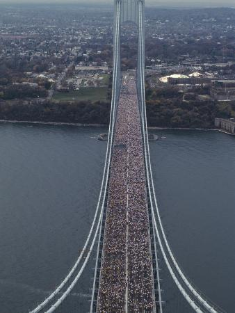 running-on-the-verranzano-bridge-competing-in-the-1994-nyc-marathon