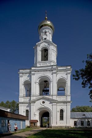 russia-veliky-novgorod-bell-tower-at-yuriev-monastery