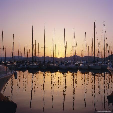 ruth-tomlinson-sunset-over-the-marina-st-tropez-cote-d-azur-var-provence-france-europe